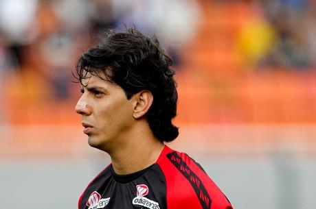 Victor Ramos, jogador do Vitória, antes da partida contra o Corinthians, válida pela décima terceira rodada do Campeonato Brasileiro 2013.
