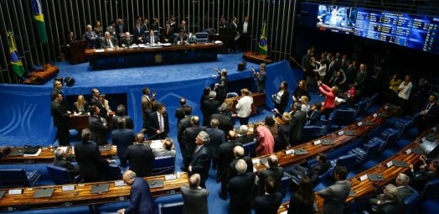 plenario-do-senado-federal-1507067018216_615x300